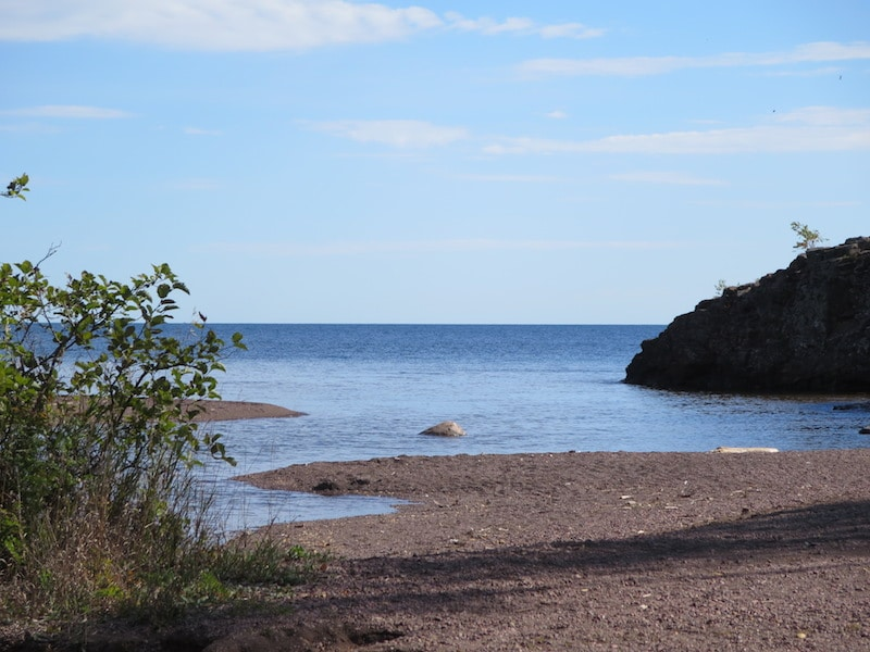 Mündung des Gooseberry Rivers in den Lake Superior