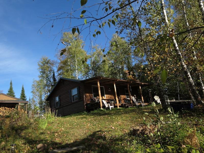 Hütte im Wald am Briar Lake