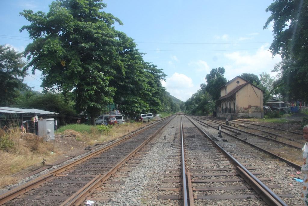 Bahnschienen an einem einsamen Ort