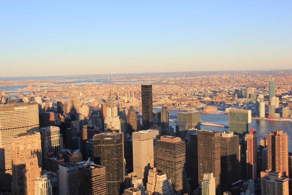 Blick vom Empire State Building auf das Chrysler Building