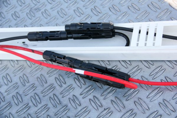 Kabelkanal für den C4 Y-Verteiler