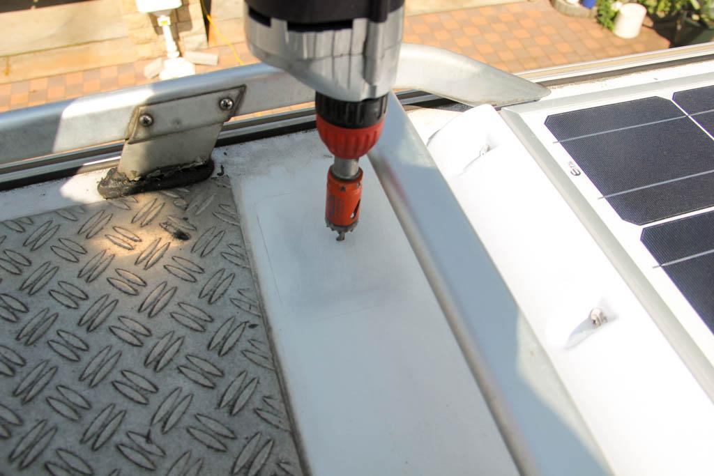 solaranlage f rs wohnmobil selber planen und einbauen. Black Bedroom Furniture Sets. Home Design Ideas