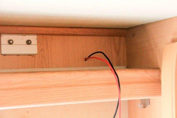 Stromdurchführung LED-Leiste