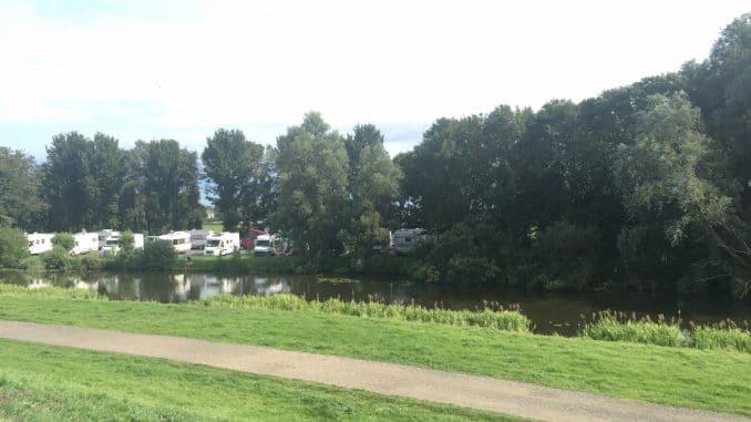 Camper Camping Stellplatz Des Campingplatz T S Leantsje